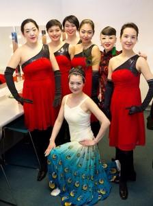 Yan Ling met dansgroep
